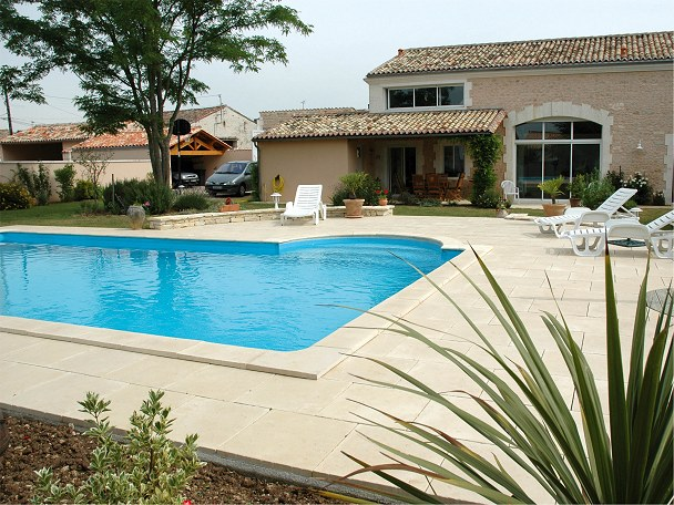 Bergerac Pool Coping Stones And Matching Paving